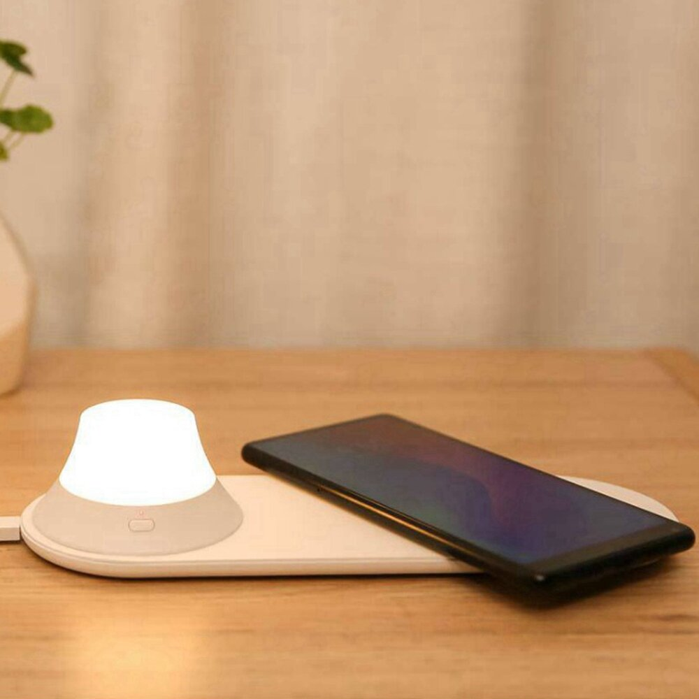 Yeelight Wireless Charger with LED Night Light Magnetic Attraction Fast Charging For iPhone ( Ecosystem Product)